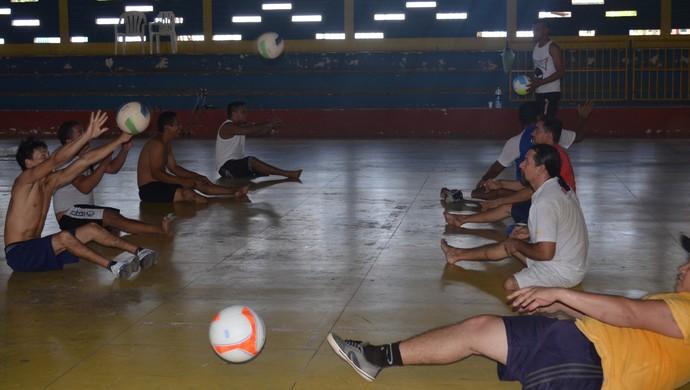 Time de Volei sentado santarém (Foto: Sabrina Rabelo/GloboEsporte.com)