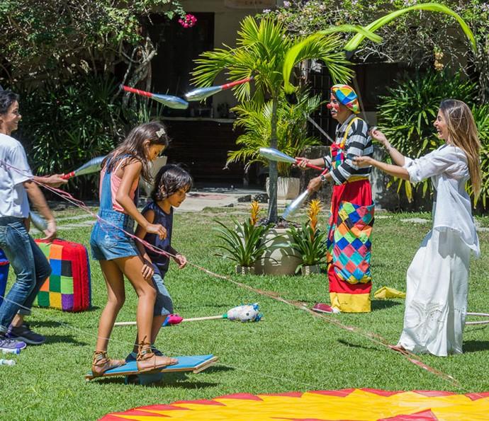 Tamara ajuda crianças órfãs e se realiza (Foto: Artur Meninea/Gshow)