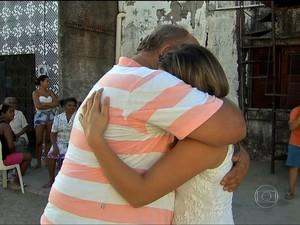 Pai e filha se encontram após 15 anos graças a multa de trânsito (Foto: TV Globo/Reprodução)
