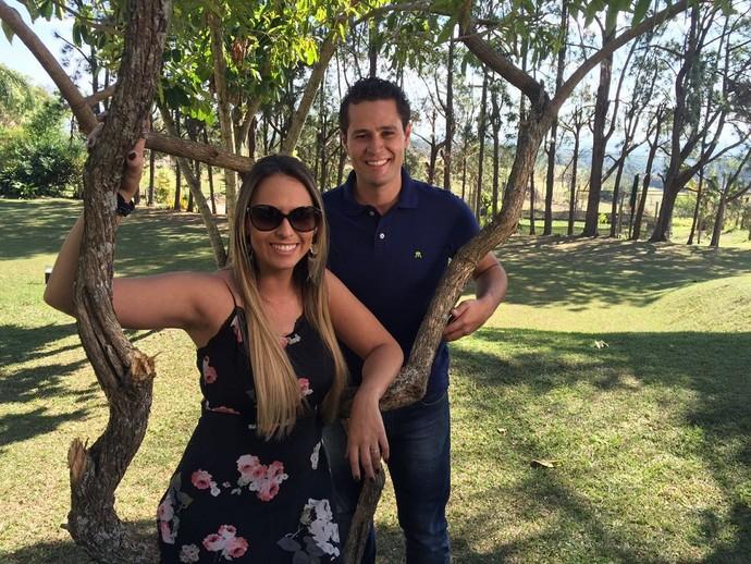 Aline e Pedro chamam as novidades do programa no sítio Terra Mãe  (Foto: reprodução EPTV )