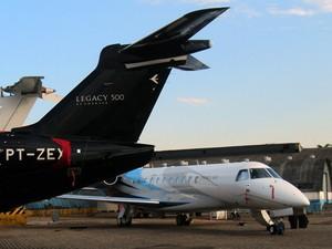 Feira de aviação executiva apresenta ao público o Legacy 500 da Embraer (Foto: Carolina Teodora/G1)