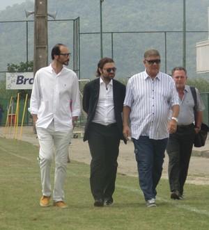 Joel Santana chega para apresentação no Boavista (Foto: Gustavo Garcia/GloboEsporte.com)