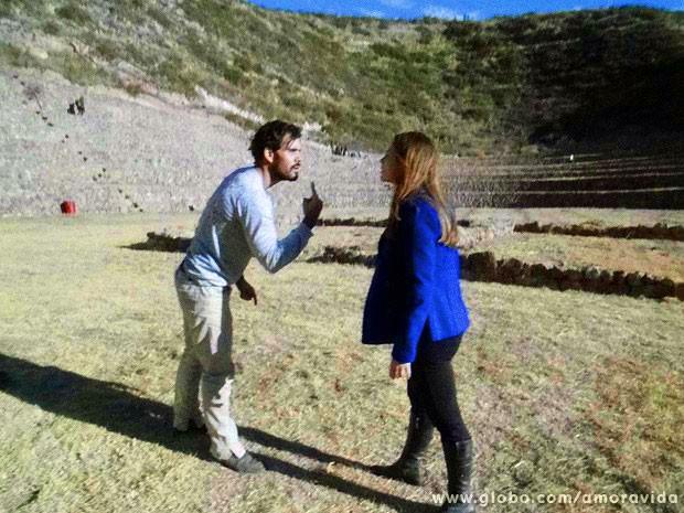 Ninho dá um ultimato a Paloma (Foto: Amor à Vida/TV Globo)