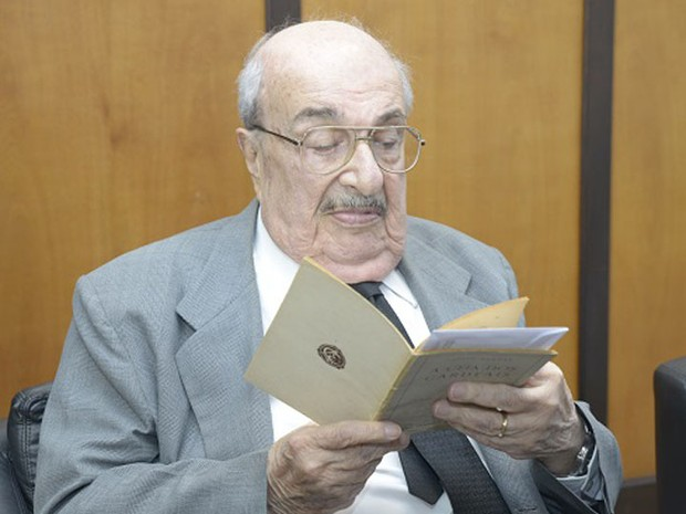 Ex-conselheiro e ex-senador morreu aos 93 anos na sexta-feira (Foto: TCE-RS/Divulgação)