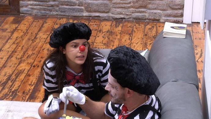 Emilly discute com Marcos (Foto: TV Globo)