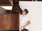 Fernanda Paes Leme mostra habilidade com os cavalos: 'Sou a encantadora deles'