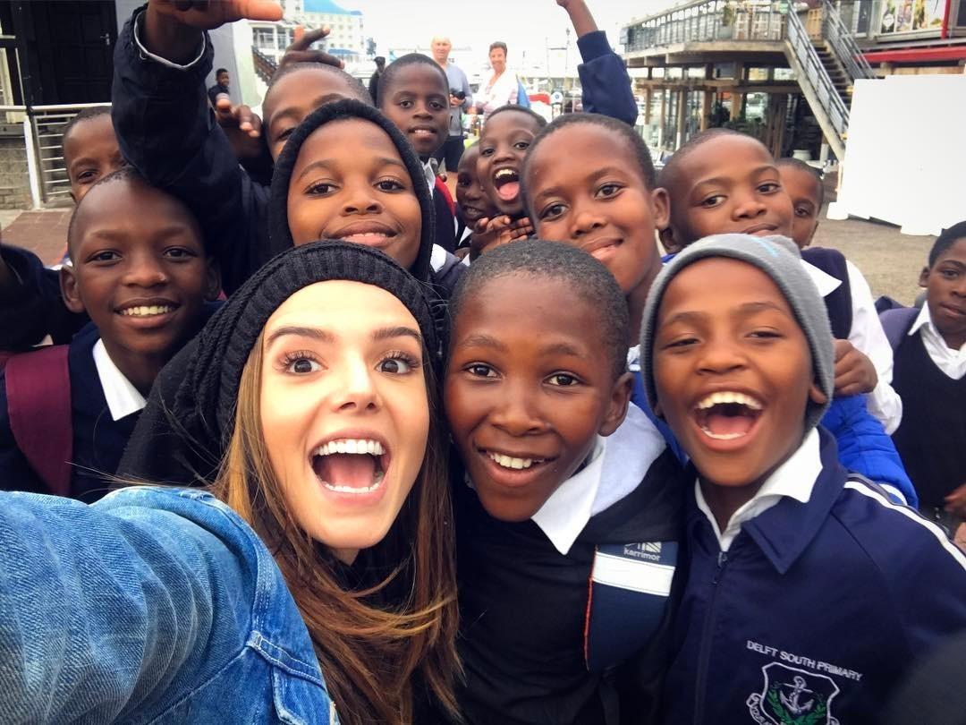 Giovanna Lancelotti se diverte com locais da África do Sul (Foto: Reprodução Instagram)
