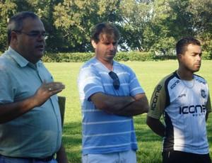 Jogadores do Rio Branco-ES foram apresentados ao técnico Giuliano Pariz (Foto: Deysiane Gagno/Rio Branco A.C.)
