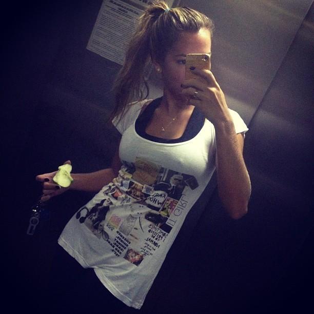 Ex-BBB Adriana madruga para se exercitar (Foto: Instagram)