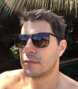 Evaristo Costa faz selfie (Foto: Reprodução/Twitter)