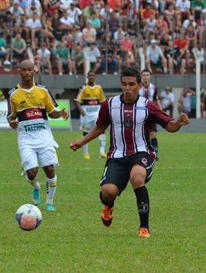 Meia Giso deixa Juventus para defender o Brasiliense (Foto: Avante / GE Juventus)
