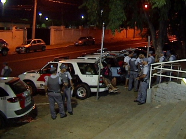 Quadrilha foi encaminhada ao Plantão Policial (Foto: Reprodução / TV Tem)
