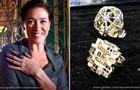 Esse anel com pedra turquesa é um dos preferidos da própria Lilia Cabral (Foto: TV Globo/Saramandaia)