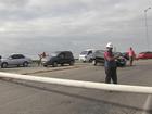 Carro derruba poste e trânsito fica congestionado em Fortaleza