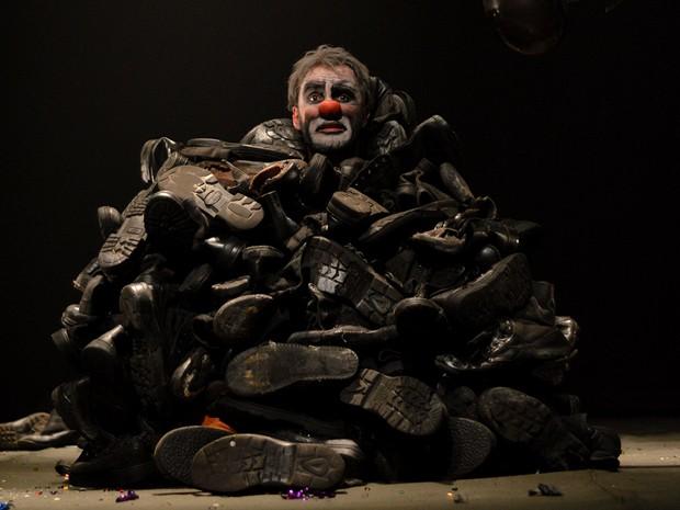 Guerra, Formigas e Palhaços se apresenta dia 22 no Teatro Riachuelo (Foto: Joanisa Prates/Divulgação)