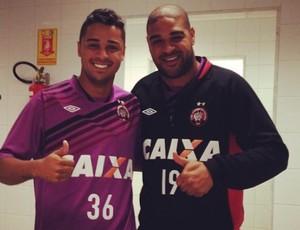 Adriano Imperador e Dellatorre, do Atlético-PR (Foto: Reprodução)