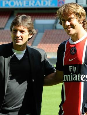 Lugano é apresentado no PSG (Foto: Reprodução/Site Oficial do PSG)