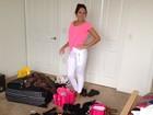Em viagem com o namorado, Carol Portaluppi arruma as malas