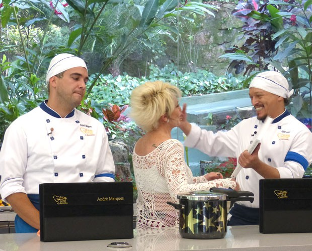 Ana Maria anuncia que Fabio Lago deixa o Super Chef (Foto: Mais Você/ TV Globo)