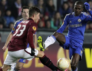 Ramires, Sparta Prague x Chelsea (Foto: Reuters)