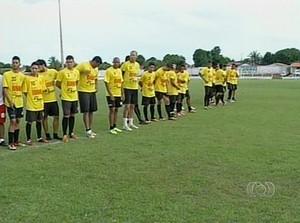 Colinas renova mais da metade do elenco e apresenta 14 jogadores (Foto: Reprodução/TV Anhanguera)