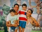 Juliana Paes posta foto da família em aniversário do filho mais velho