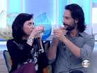 Monica Iozzi invade o Encontro e toma poção do amor com Rodrigo Santoro