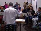 Músicos da Banda Santa Cecília fazem apresentação em Mogi