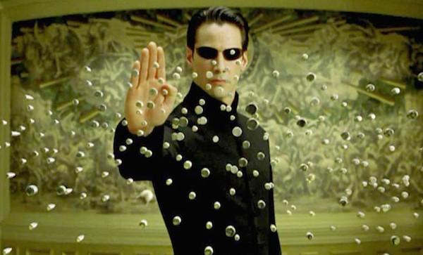 Keanu Reeves em cena de 'Matrix' (Foto: Reprodução)
