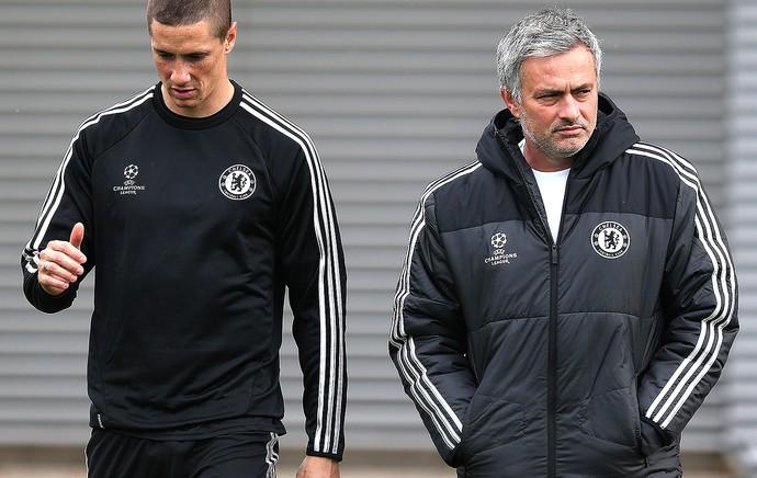 José Mourinho e Fernando Torres no treino do Chelsea (Foto: Getty Images)