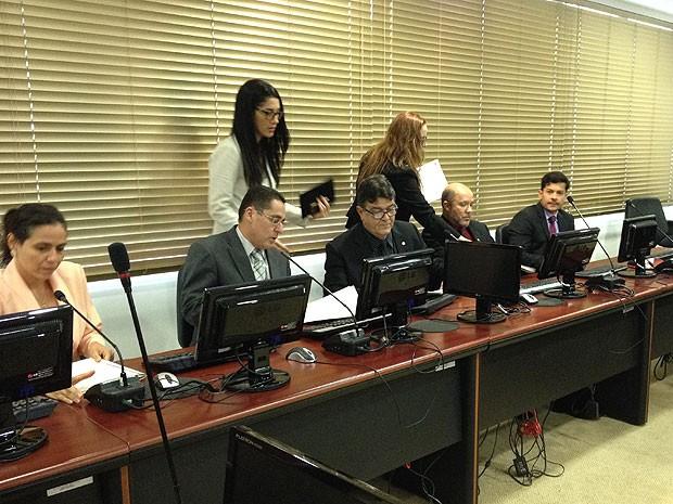 Promotores de Justiça falaram sobre denúncias e provas que têm contra PMs suspeitos de envovimento em mortes no Cabula. (Foto: Maiana Belo / G1 Bahia)