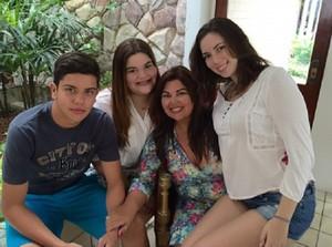 Fabiana com os filhos (Foto: Arquivo Pessoal)