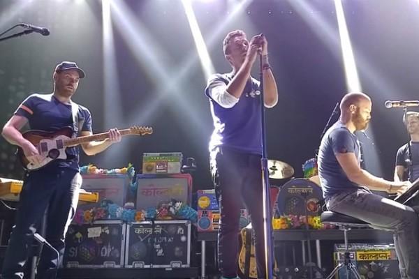 Coldplay em Los Angeles (Foto: Reprodução Youtube)