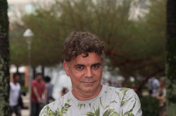 Robert Guimarães, produtor da Babilônia Feira Hype, lança o Lounge do Bem, em parceria com a jornalista Karla Rondon Prado (Foto: Sheila Guimarães)
