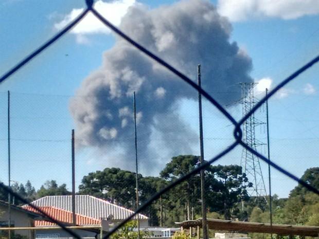 Explosão aconteceu na tarde deste sábado (8), na Região de Curitiba (Foto: Carla Carvalho / Arquivo Pessoal)