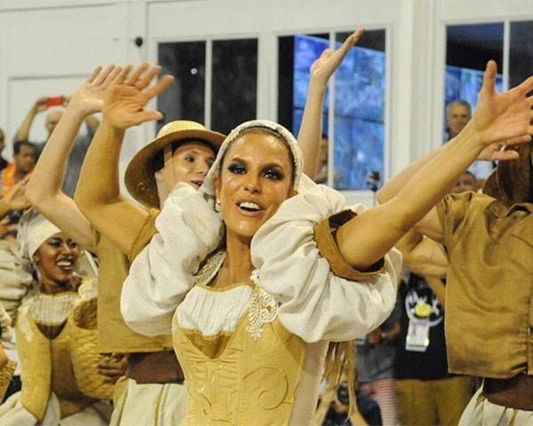 Ivete Sangalo no desfile da Grande RIo (Foto: Reprodução/Instagram)
