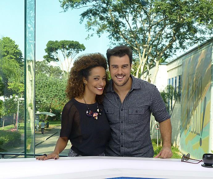 Alinne Prado e Joaquim Lopes apresentam o Vídeo Show (Foto: Cristina Cople / Gshow)