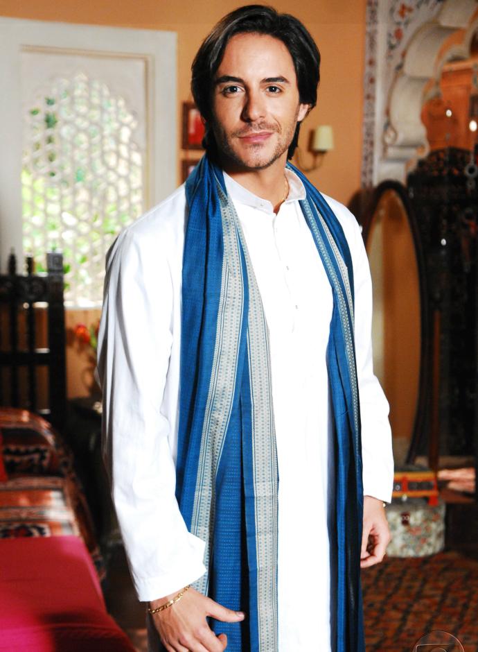 Ator revela que foi difícil interpretar um indiano  (Foto: TV Globo)