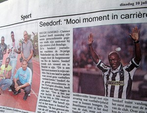 Jornal, Seedorf, Suriname (Foto: Janir J&#250;nior / Globoesporte.com)