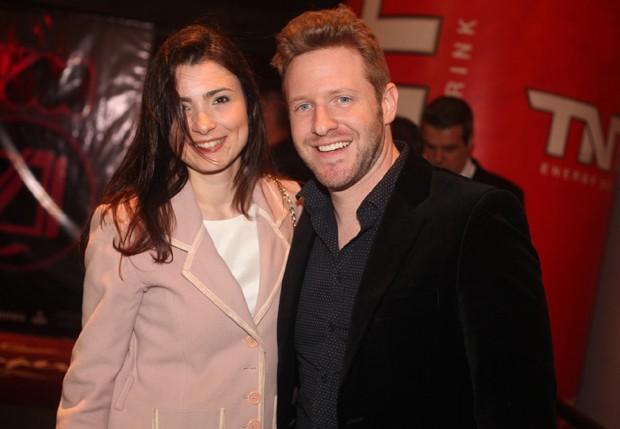 O ex-BBB Michel Turtchin e a namorada (Foto: Leo Franco/AgNews)