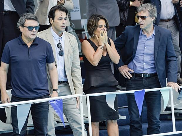 Beatriz se desespera com acidente de Diogo (Foto: Raphael Dias/Gshow)