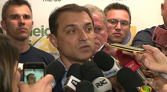Comandante Moisés vira votação e se elege governador em Santa Catarina