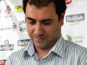 Guto Braga, presidente do Uberlândia Esporte Clube em coletiva sobre a Taça Minas (Foto: Felipe Santos/GLOBOESPORTE.COM)
