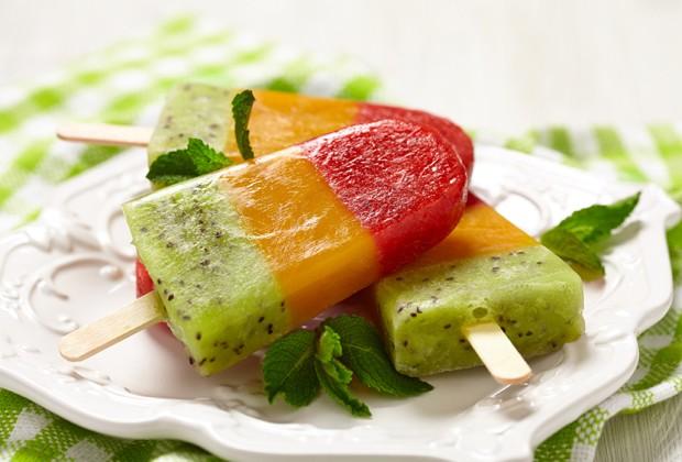 Picolé arco-íris é refrescante e não atrapalha a dieta (Foto: Divulgação)
