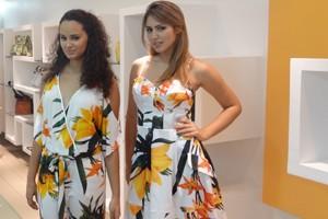 Modelos em tarde de lançamento da coleção de verão em loja multimarcas, na Praça Flemming, no Recife (Foto: Gabriela Belém/G1)