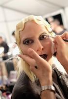 Marc Jacobs aposta em maquiagem exótica no desfile de inverno 2016