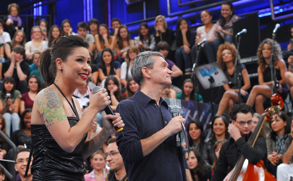 Serginho Groisman e Pitty (Foto: TV Globo/Zé Paulo Cardeal)