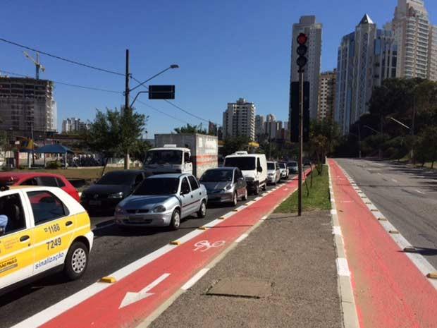 A nova ciclovia, localizada na Avenida Vereador Abel Ferreira, faz parte da rede que atende a região do Parque Esportivo do Trabalhador. O trecho vai da Avenida Salim Farah Maluf até a Avenida Regente Feijó. (Foto: Amanda Previdelli/G1)