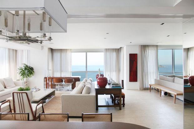 Lar mistura estilos em busca de conforto casa vogue for Apartamentos modernos playa