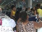 Consumidores aproveitam ofertas e lotam comércio de São Luís, MA